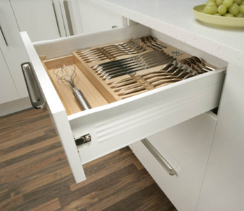 Drawer side runner system, single-walled, Häfele Matrix Box Single A25, single extension, height 118 mm, white aluminium, RAL 9006